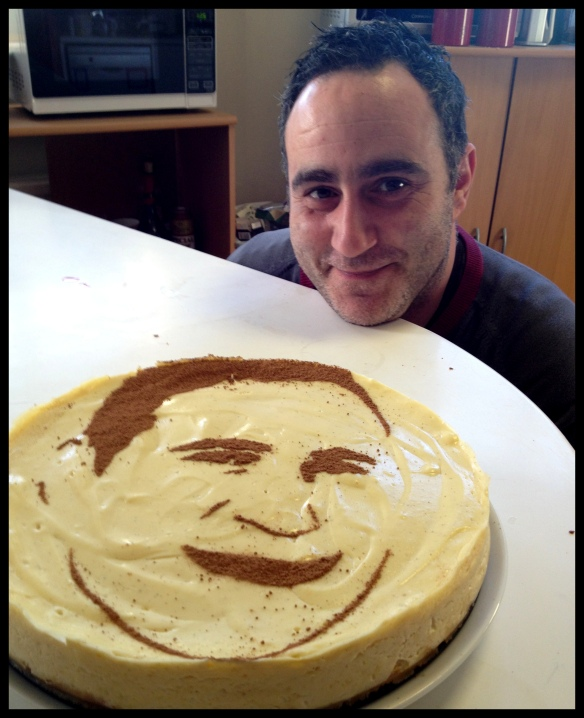 Pablo's Face Cake - spot the difference