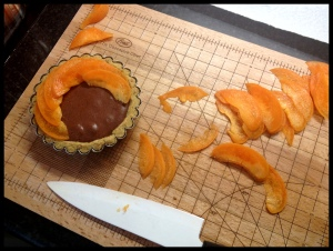 Apricot Tartlets - layering the apricot slices